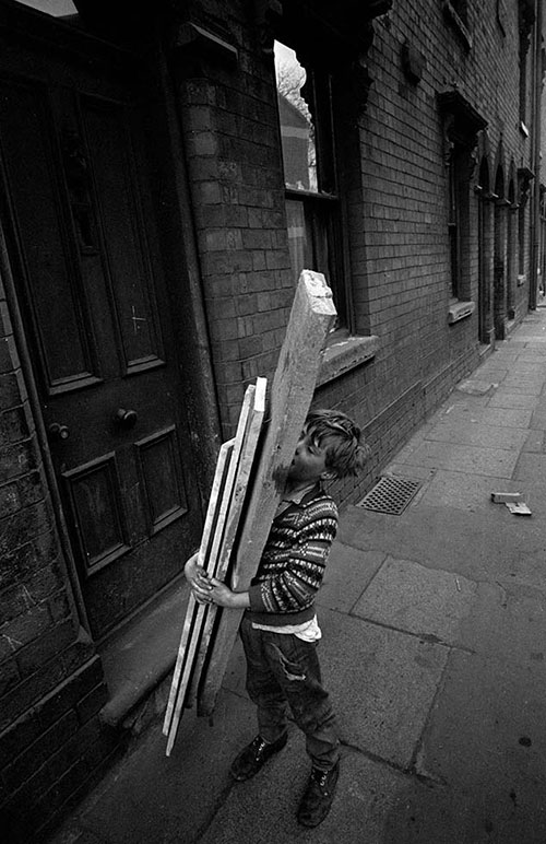 Carrying wood scraps home for the fire, Hockley  (1968)