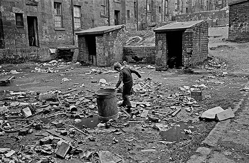 Tenement courtyard , Maryhill, Glasgow 1 (1971)
