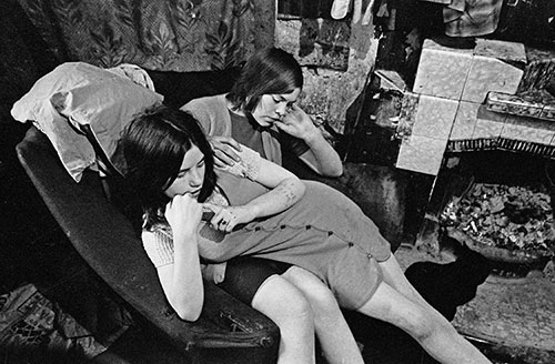 Sisters living a Gorbals tenement flat, Glasgow  (1970)