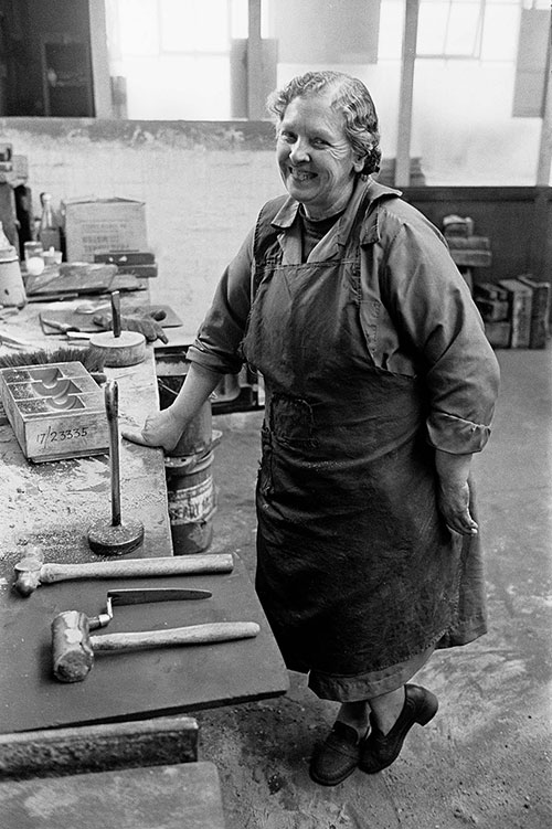Mould maker, Lee Howl pump factory Tipton  (1978)