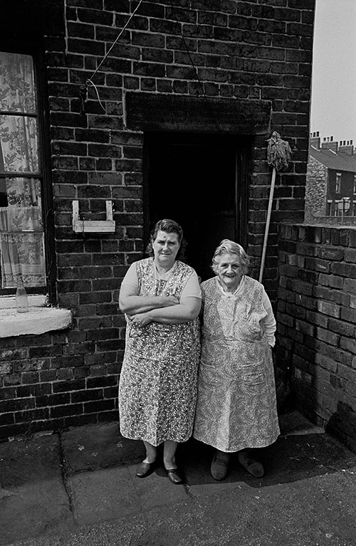 Mother and daughter in pinafores, Sheffield  (1969)