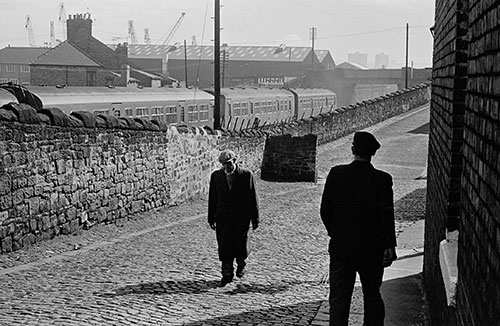 Coming off shift by the Swann Hunter shipyards, Tyneside  (1970)