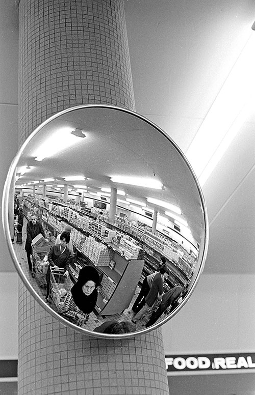 Security mirror supermarket, Birmingham 1 (1975)