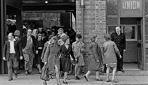 Workers leaving factory at the end of their shift, Josiah Parkes, Willenhall  (1976)